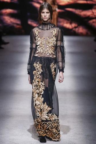 чорна сукня із золотим мереживом ... 1386ce62e5771