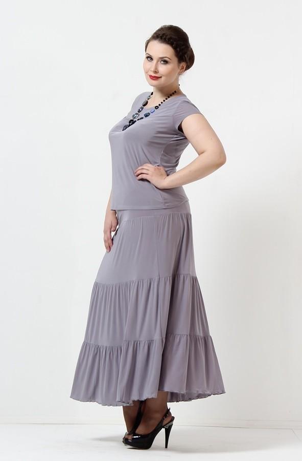 Костюми для повних жінок (75 фото)  вечірні костюми великих розмірів 01c9b47020973