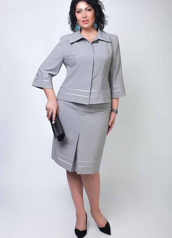 45f4bcbbeab38f Костюми для повних жінок (75 фото): вечірні костюми великих розмірів