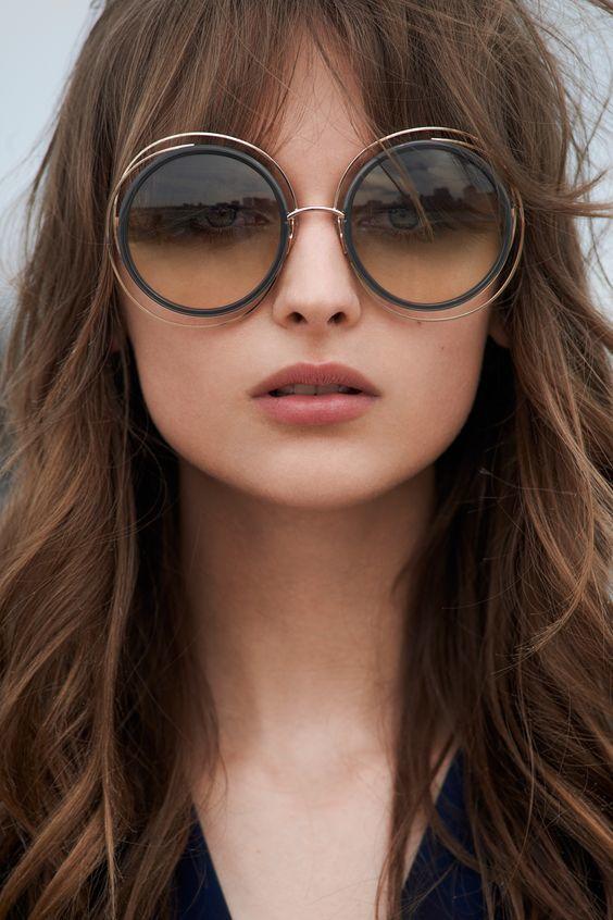 Однією з нових модних тенденцій є окуляри гіпер сайз. Величезні окуляри 315261e63b96d