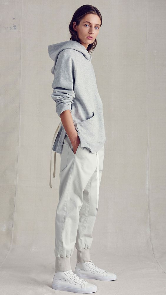 100 модних новинок  Стильні худі (кофти і толстовки з капюшоном) 85aa3c83f11ff