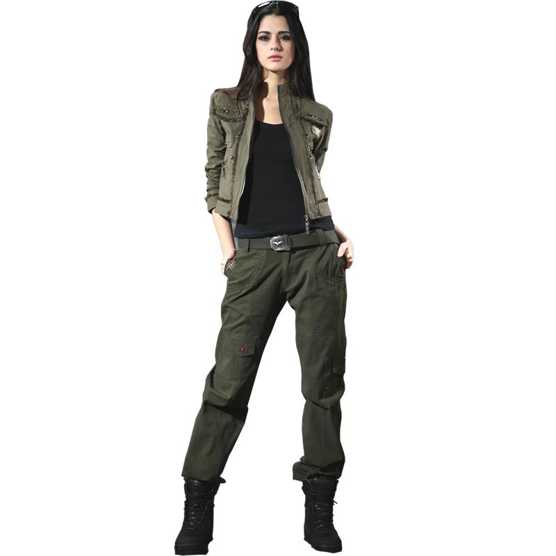 Найчастіше жіночі камуфляжні штани надягають зі спортивним взуттям 5acf4d56c836e