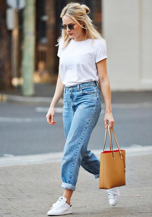 Широкі джинси дадуть відчуття свободи і розкутості. Варіанти широких штанів  актуальні в моді практично кожного нового весняно-літнього сезону. f8b657f0964ee
