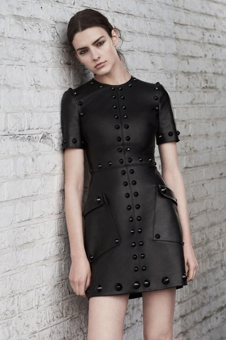 100 модних новинок  Чорне плаття 2018 - з чим носити 090c590afc3a4