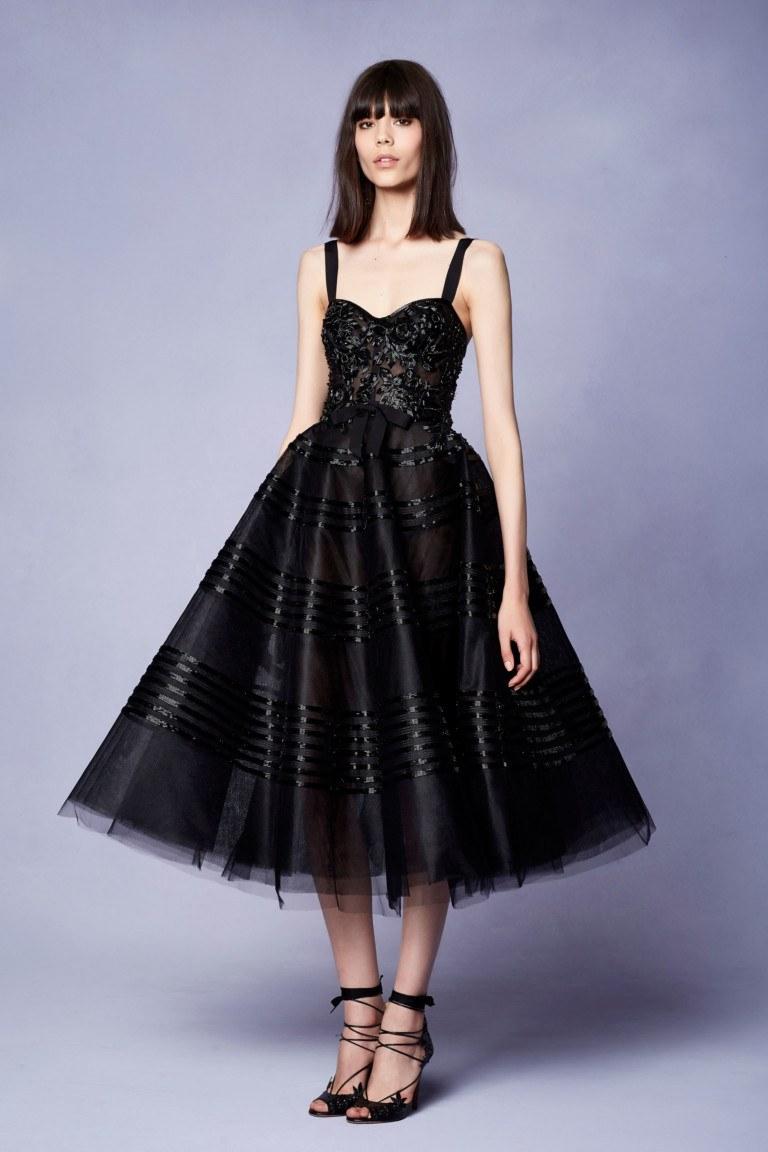 c311eed22d9a77 100 модних новинок: Чорне плаття 2018 - з чим носити, тренди