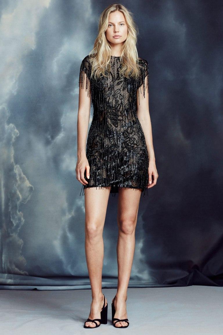 Носити тепле чорне плаття стилісти рекомендують в дуеті з зухвалими  чобітьми. Якщо ви хочете змусити перехожих озиратися слідом 1ba9a22821a22