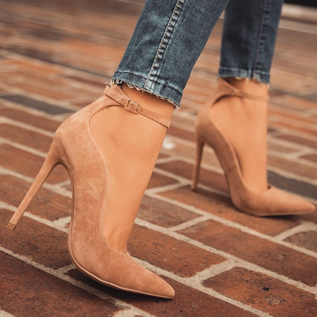 Модна жіноче взуття весна-літо 2018  тенденції і самі актуальні фасони 5a01de9804482