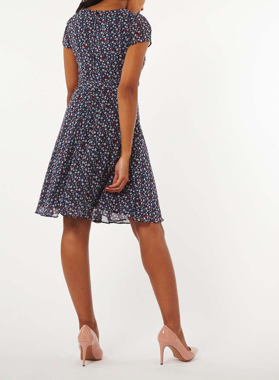 Сукні з шифону  стильні фасони для весни і літа 025d024a146e2