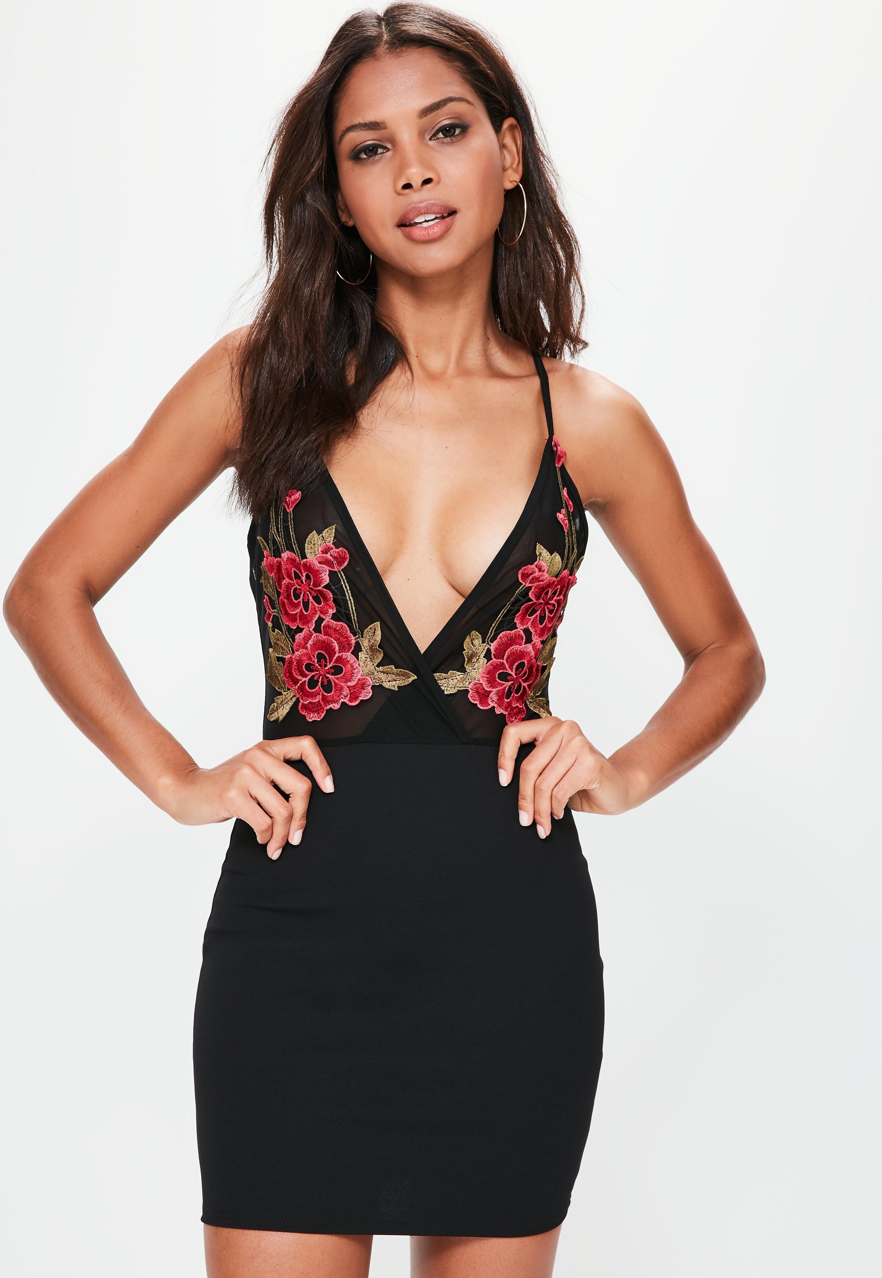 Плаття-футляр 2018  актуальні кольори і модні образи 3b451b61b7863
