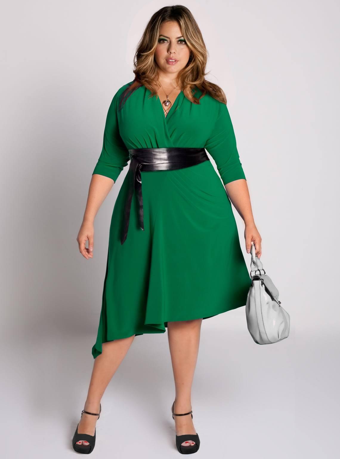 Безпрограшний варіант для повних дам – моделі із завищеною талією. Вони  підкреслюють пишний бюст дівчат з фігурою типу «груша» або «яблуко». 01edbdafc47c7